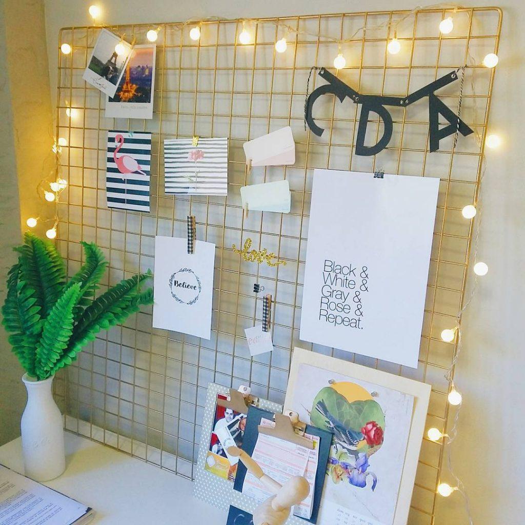 Ideias para renovar o seu quarto sem pesar no bolo, usando um grid para colocar fotos.
