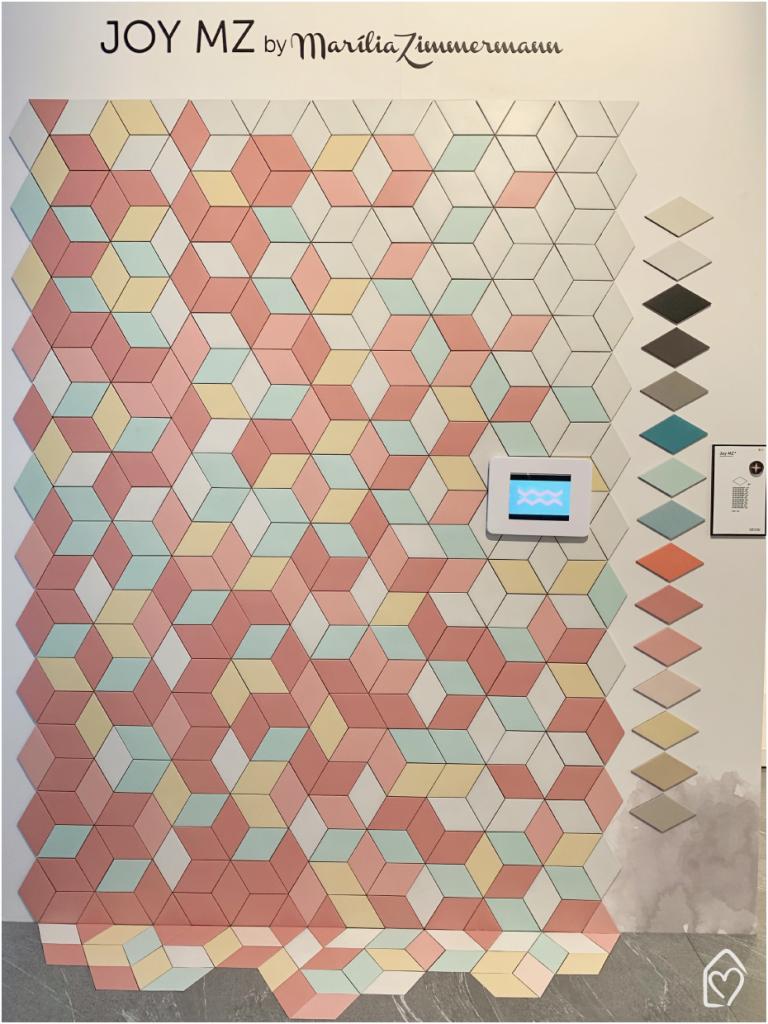 coleção Joy da portinari, com revestimentos de losango na parede.