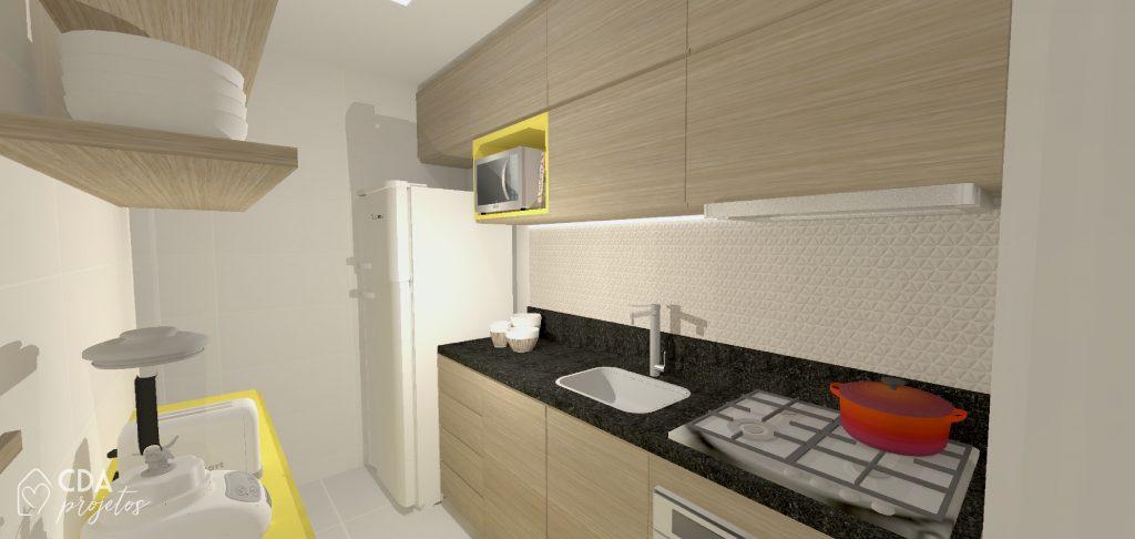 cozinha com toques de cor, revestimento neutro, bancada em granito preto são gabriel, e móveis em madeira e amarelo.