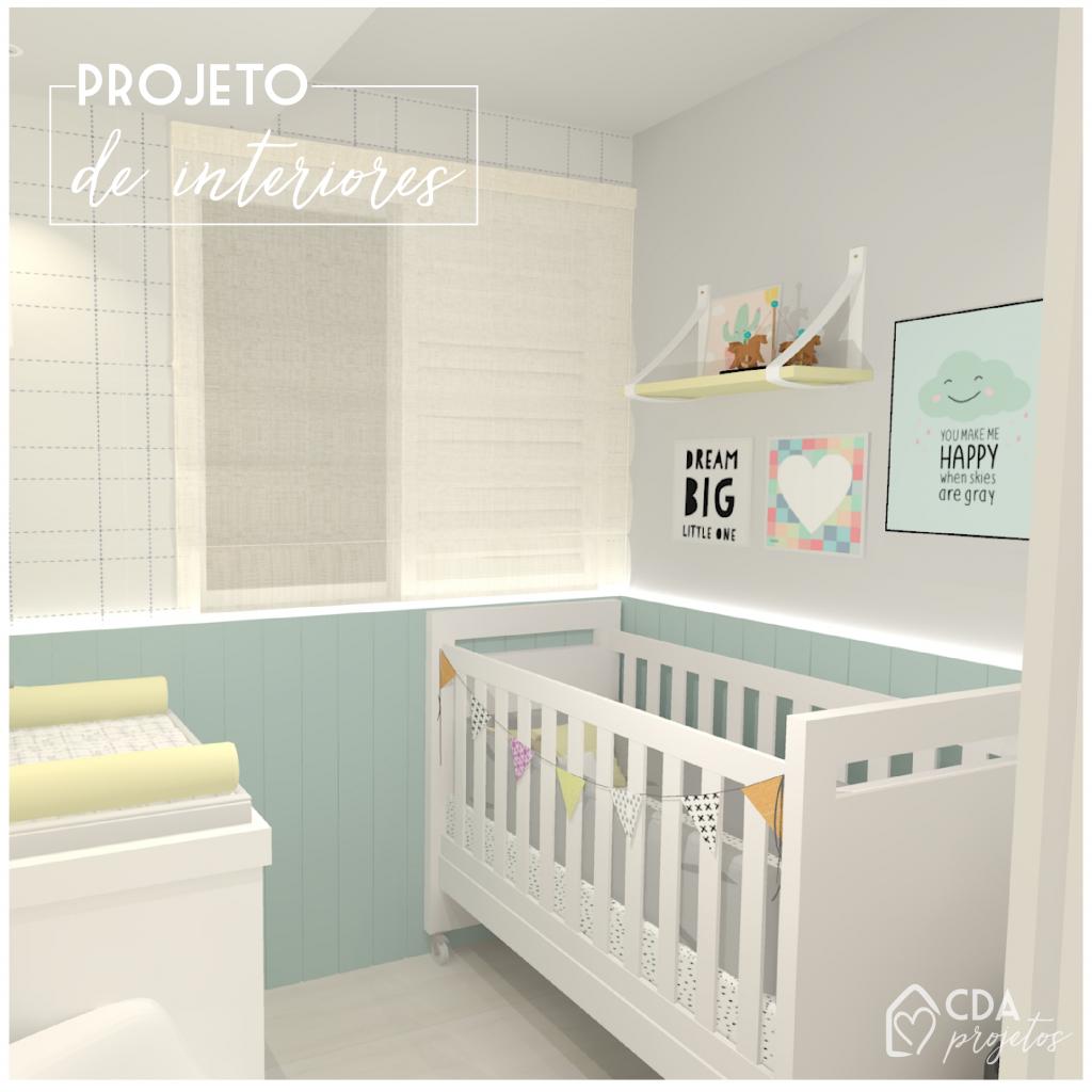 Quarto de bebê com tons neutros, com painel de mdf verde menta, prateleiras e detalhes decorativos.