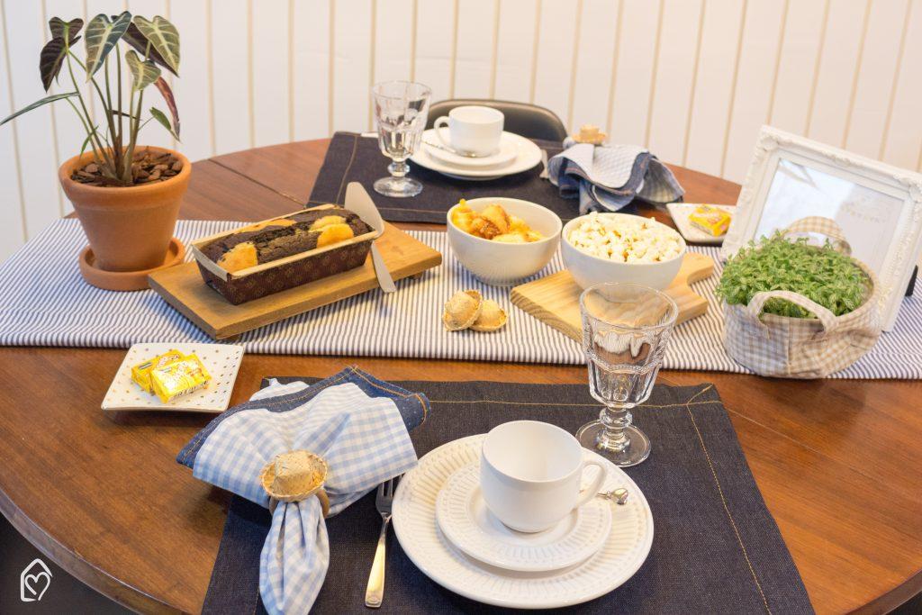 Café da tarde de festa junina com tons de azul